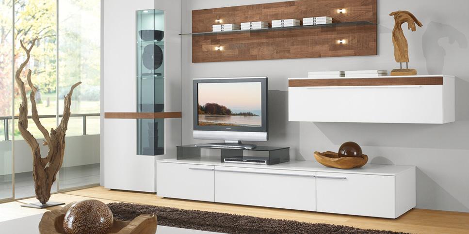 Lowboard mit Fernseher