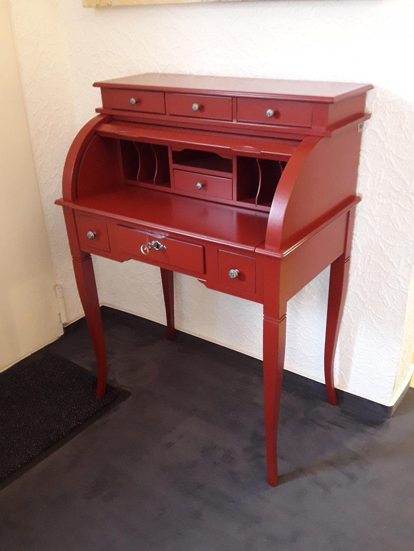 Sekretär antik rot lackiert mit gewollten Gebrauchsspuren