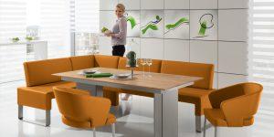 Essecke mit kombinierten Sesseln