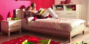 Traumhaft verspielt: Möbel und Tapeten für Kinderzimmerträume