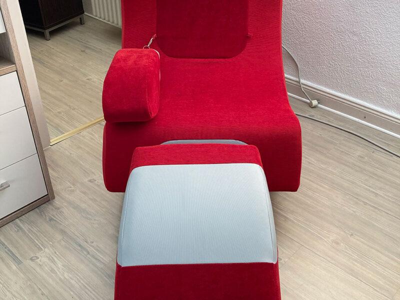 Sessel (mit Stauraumfach) + Hocker Stoff grau/rot
